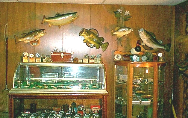 fisheswall.jpg